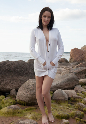 Agatha loves romantic environment seeing no problem in posing nude on the rocks