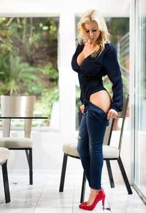 Pretty blonde Alexis Fawx came home drunk after party and plus stripped by glass wall